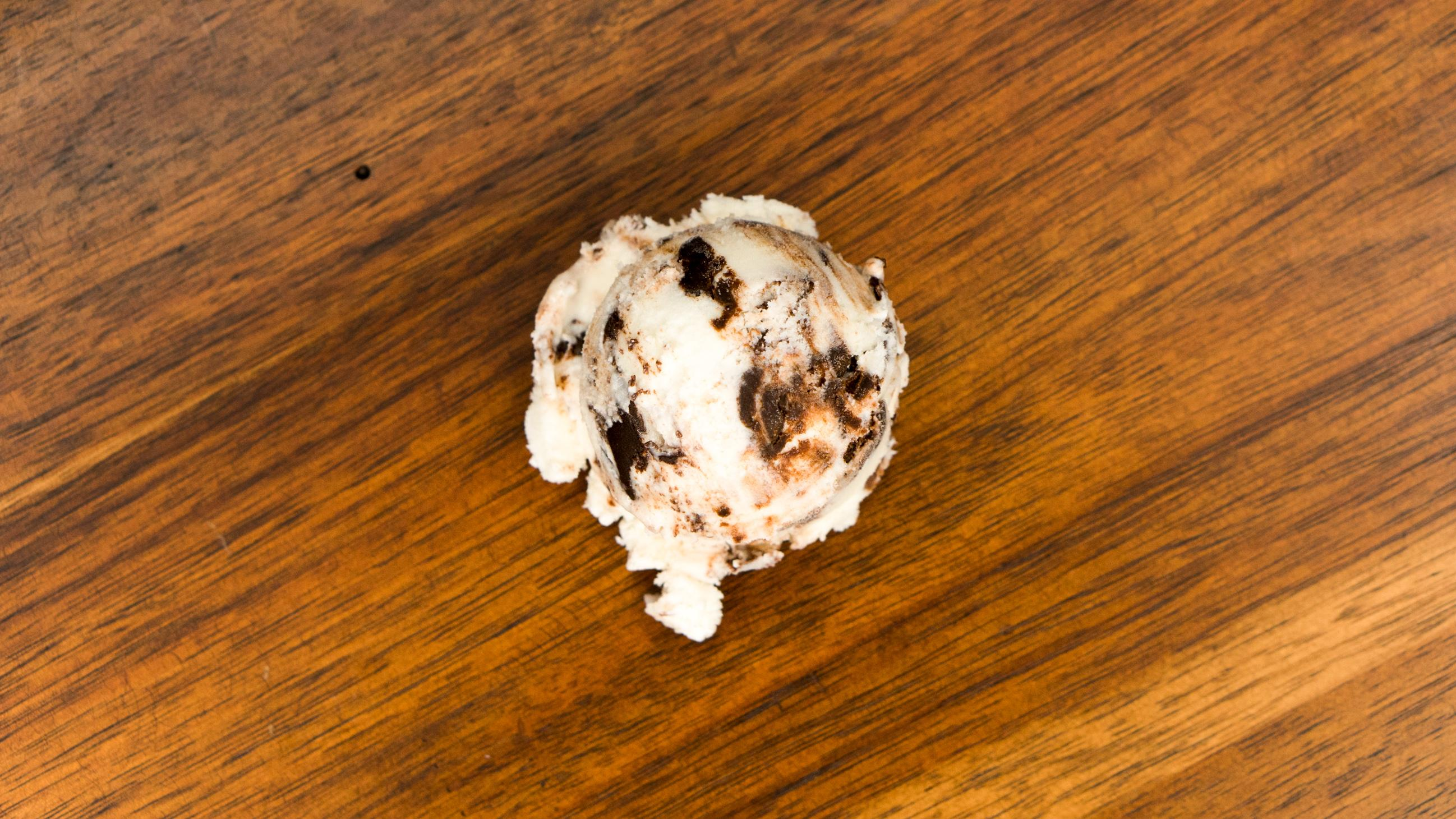 Moose Tracks - Ruggles Premium Ice Cream